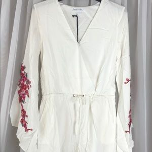 NWT Floral Long Bell Sleeve Romper Sz S